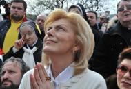 photo of Mirjana having the               apparition